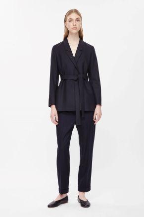 <3 Belted wool blazer