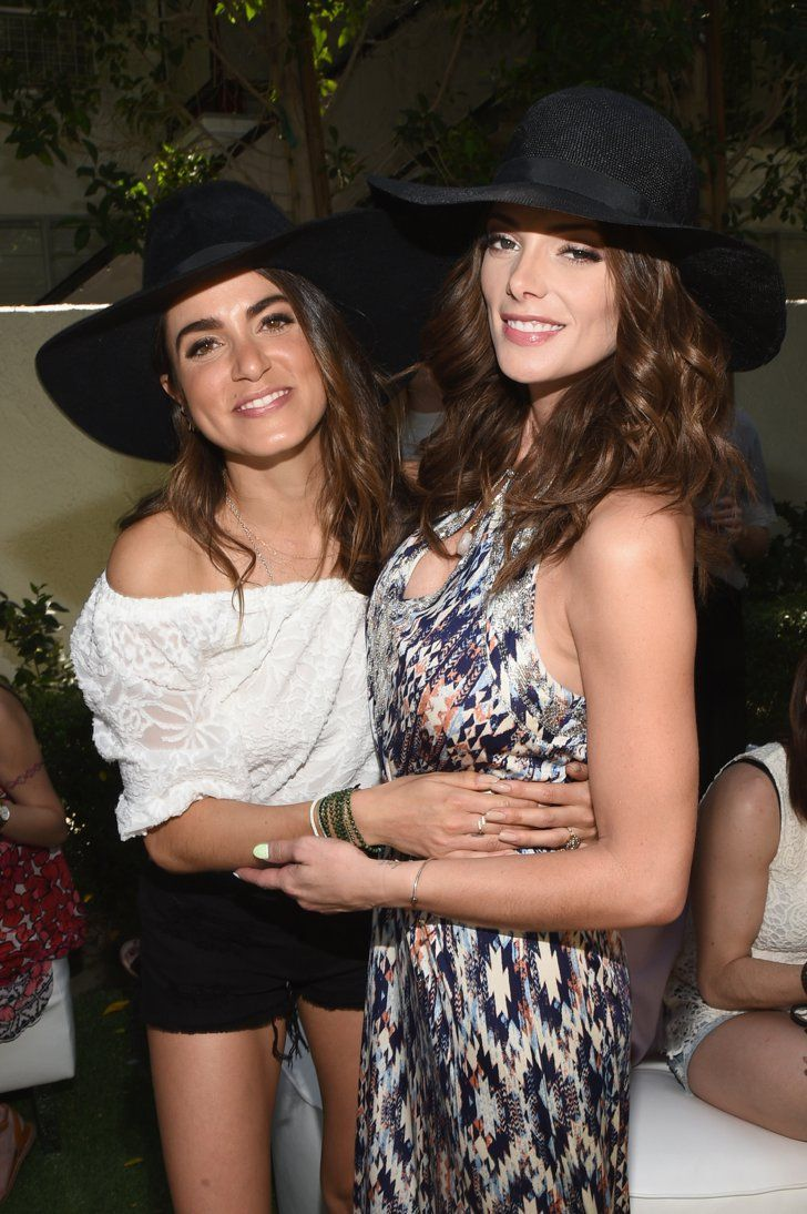 Pin for Later: Seht alle Stars beim Coachella Musikfestival Nikki Reed und Ashley Green