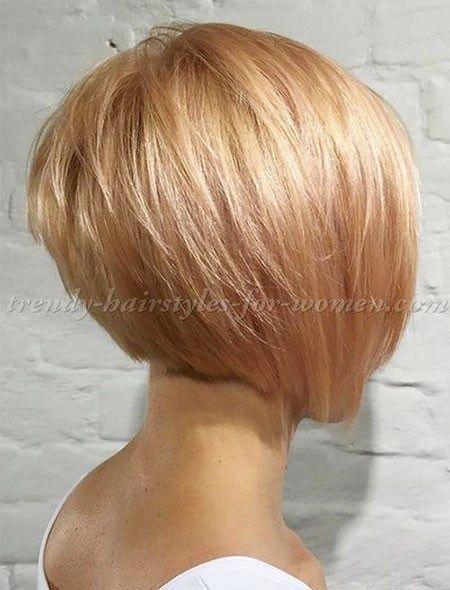 layered-Bob-Hairstyle Short Bob Haircuts for Women #bobstylehaircuts
