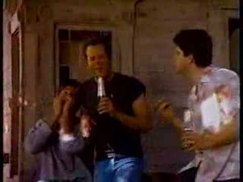 """Seagrams Golden Wine Coolers.  I completely dug Bruce Willis back then, so this was just about the coolest commercial ever.  """"It's wet and it's dry.  My my my my..."""""""