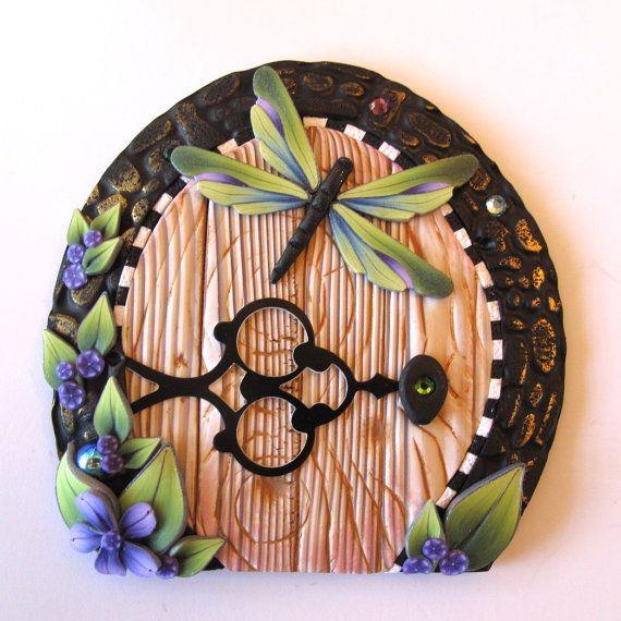 sandylandya@outlook.es Dragonfly Fairy Door Pixie Portal by Claybykim on Etsy, $20.00