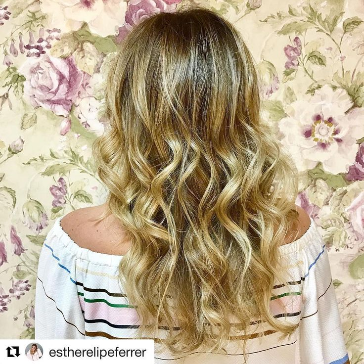 Gracias Esther por tus palabras♥️  #Repost @estherelipeferrer ・・・  New Post!!! Felicidades @evapellejero por vuestro séptimo aniversario!!! Creo que es la mejor manera de felicitaros, mostrando vuestro exquisito trabajo!!! 💋💋#renovaciondecolorbyevapellejero #evapellejero #zaragozaisstyle #hairstyle #blonde #esteeplacard #happy #veryhappy