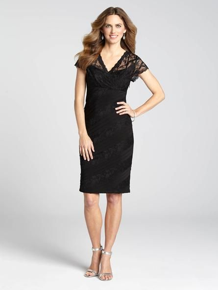 An LBD never goes out of style, and this lacy number is no exception! Pair it with your favourite jewellery and pumps for a stunning and unforgettable evening look!...3010103-0436