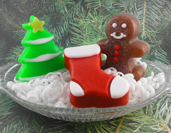 Christmas Soaps  Holiday Trio  Glycerin  Guest Soaps by SoapGarden, $9.00