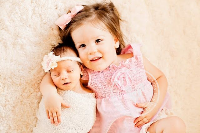 Newborn+And+Sibling+Poses   newborn photographer, newborn photo ideas, newborn posing ideas, baby ...