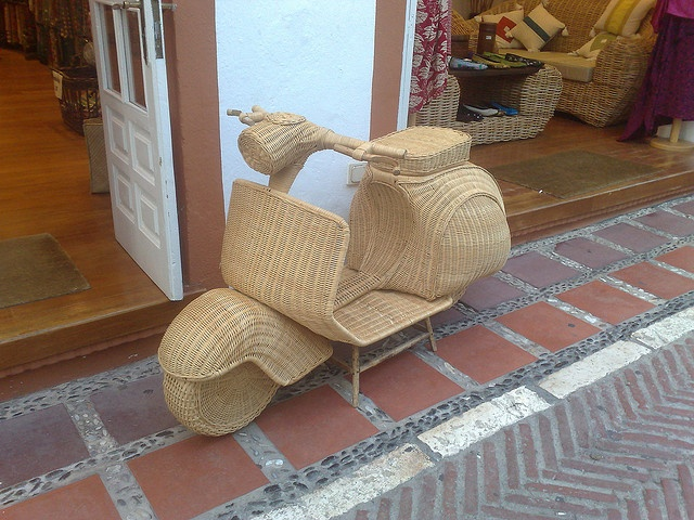 Wicker Vespa - UNBELIEVABLE!