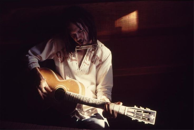 Neil Young At home with Washburn guitar   Joel Bernstein