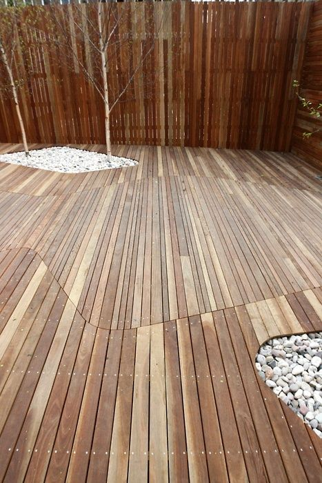 Cool decking feature. Simple change if decking size with curved join creates an amazing feature in any deck.