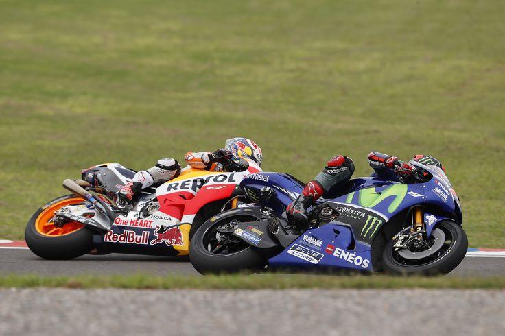 Vídeo: As melhores imagens do MotoGP da Argentina em Slow-Motionhttp://www.motorcyclesports.pt/video-as-melhores-imagens-do-motogp-da-argentina-slow-motion/