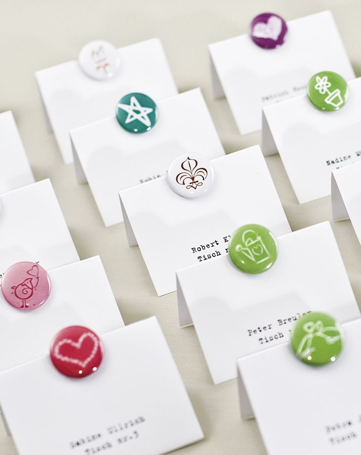 Button-Platzkarten - button wedding place cards – www.weddingstyle.de