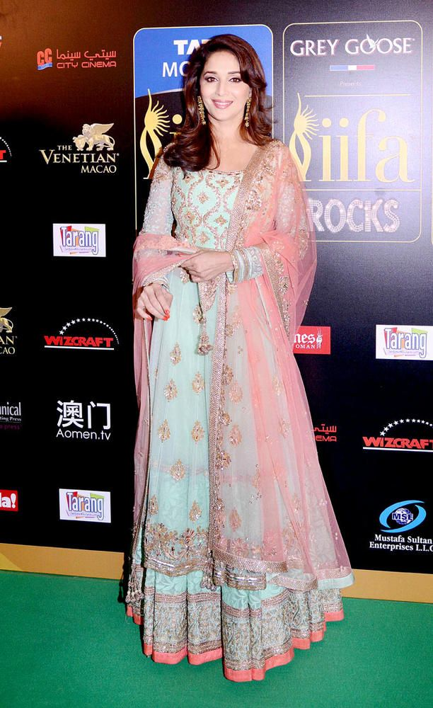 Madhuri Dixit at the IIFA green carpet #Bollywood #Fashion