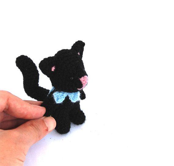 black CAT miniature, lucky cat, gift for father's day, tiny stuffed black cat, cute kitten, small pet, fun cat stuff, amigurumi black cat
