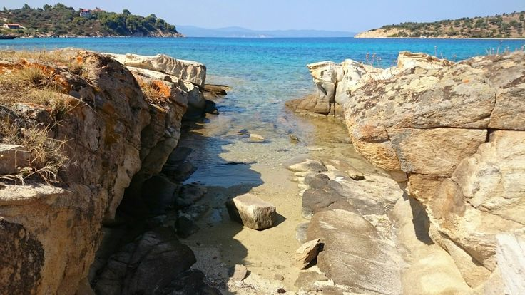 Lagonisi beach, Chalkidiki | Pinterest: @fotdoul