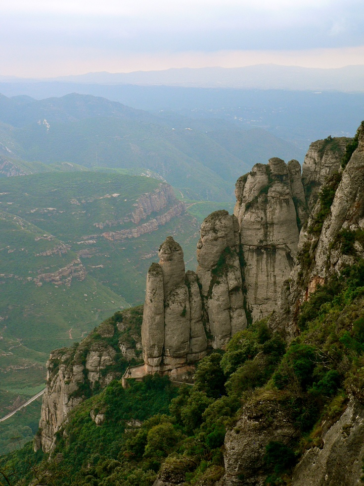 Interested in the hiking opportunity of a lifetime? Combine breathtaking views, an ancient monastery, and a hike full of hidden troves, statues, and caves! Hiking Monstserrat is the experience of a lifetime and only a 45-minute train ride from Barcelona!