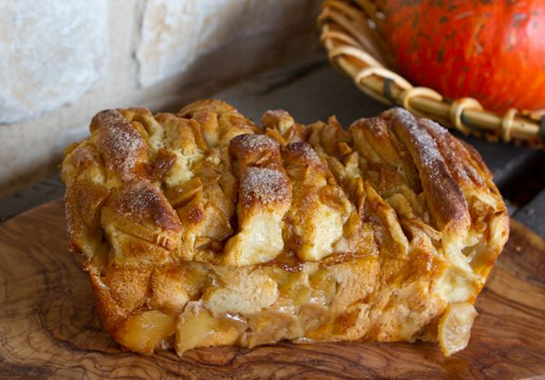 Italian Food Forever » Cinnamon Apple Pull-Apart BreadApples Breads, Pulled Apartments Breads, Apples Cinnamon, Apartments Apples, Italian Food, Apples Pulled Apartments, Cinnamon Bread, Cinnamon Pulled Apartments, Cinnamon Apples