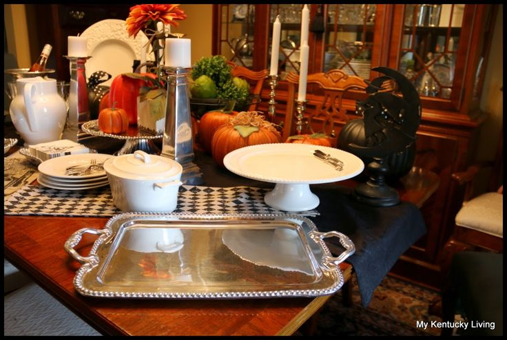 "My Kentucky Living : Designing a""Fright Night"" Halloween Buffet Table"