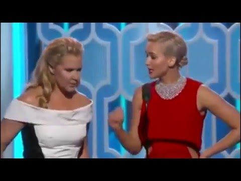 Jennifer Lawrence and Amy Schumer Hilarious at the Golden Globes 2016 - http://maxblog.com/7194/jennifer-lawrence-and-amy-schumer-hilarious-at-the-golden-globes-2016/