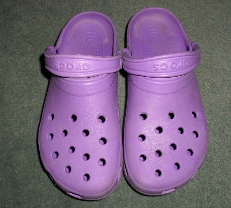 Women's Purple CROCS Slip On Clogs Comfort Shoes, Size 9, Good Shape