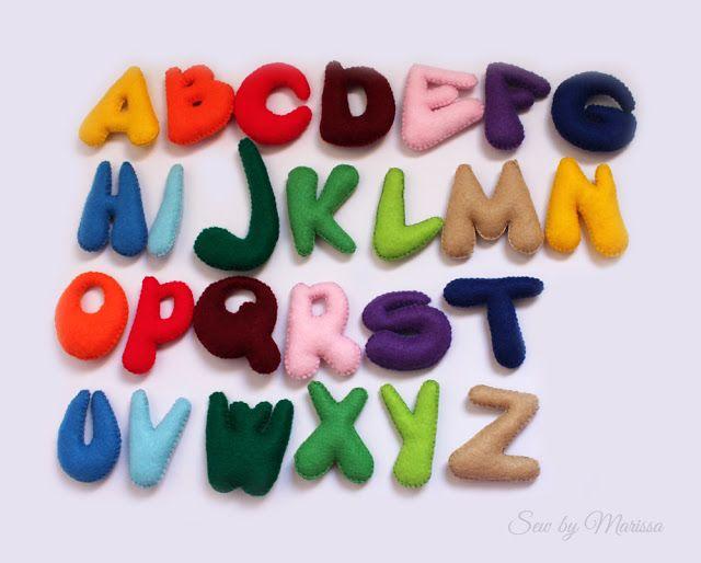 Giochi per bambini, giochi educativi, lettere alfabeto in feltro