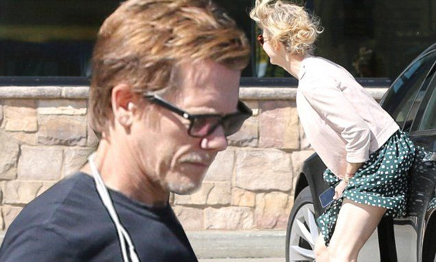 Kevin Bacons wife Kyra Sedgwick skirt blows up due to wind