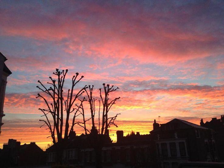 A winter West Hampstead sunset by @RicksterLondon