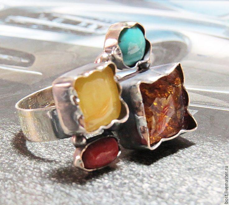 Серебряные кольца с янтарем, кораллом и бирюзой в интернет-магазине на Ярмарке Мастеров. Яркие необычные серебряные кольца. С природным янтарем, натуральные кораллы и бирюза. У всех колец разные размеры. Размеры указаны у фотографий. Авторская ра…