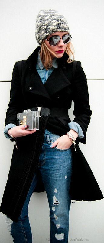 Street style ♥ na Love the coat!
