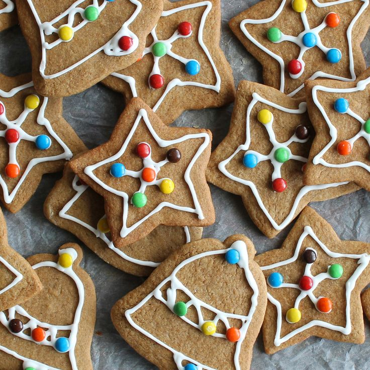The Kiwi Cook | Christmas Gingerbread Biscuits | https://thekiwicook.com