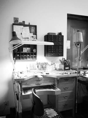 Contact — Liesbeth Busman Salon + goudsmid & ontwerp atelier voor sieraden, trouwringen en kleine beelden