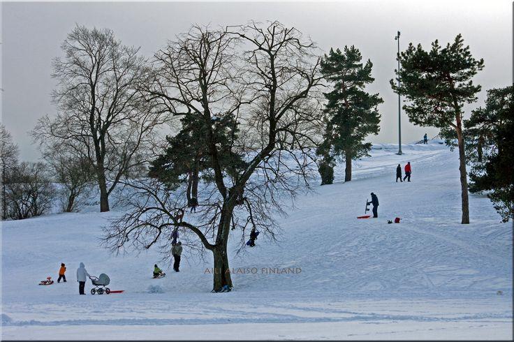 Winter day in Kaivopuisto, Helsinki Photo Aili Alaiso Finland