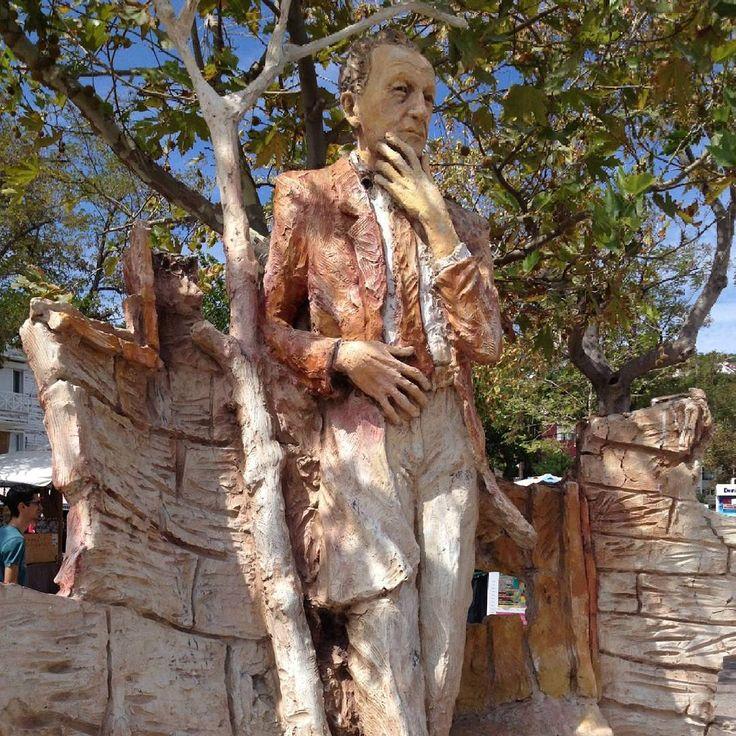 Güzel günlere ihtiyacımız var.  Güzel bir Cumartesi olsun!  The source of inspiration from Anatolia: Çağdaş Erçelik, Burgazada Saik Faik Abasıyanık heykeli #beautiful #anatolia #anatoliangirls #saitfaik #çağdaşerçelik #fromanatolia #art #artist #sanat #sculpture #heykel #beautiful #saturday #güzel #bir #cumartesi #olsun
