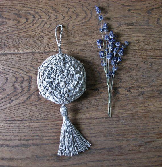 Sachet lavande / suspendus décoration naturelle lin fait main crochet-wedding favor Agricol