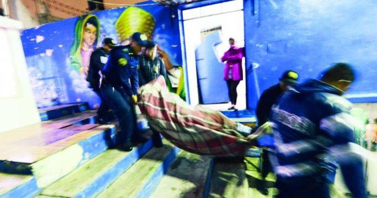 Los cuerpos putrefactos fueron encontrados en la Sierra de Guadalupe, en Gustavo A. Madero.    Vecinos alertaron a policías preventivos sobre dospersonasinconscientes que yacían entre la maleza del cerro.  Uniformados se trasladaron a la calle Pablo Liva casi al cruce con María Laura, en la colonia Ampliación Gabriel Hernández.  TENÍAN DÍAS