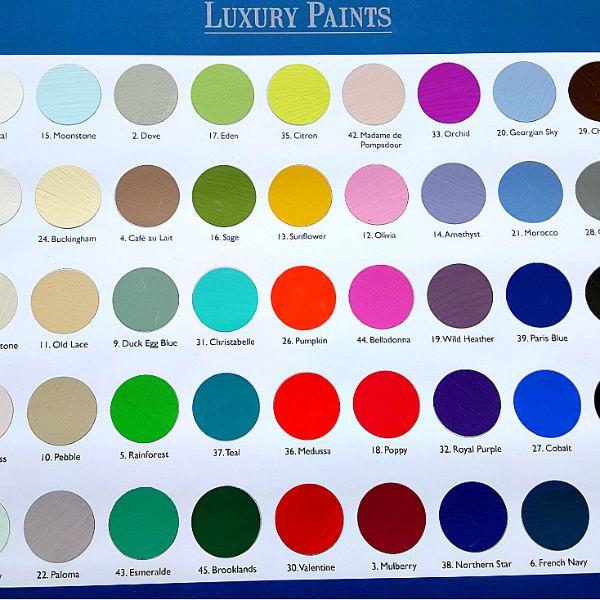 Fargekart med oversikt over alle farger som finnes i sortimentet og utvalget fra Vintro.Alle fargene finnes eller kan bestilles både i veggmaling og møbelmaling. Klarer du å velge EN favoritt? Se bilder og få mer info!   #vintrokalkmaing #kalkmaling #vintrofargekart #fargekart #malemøbler #oppussing #diy