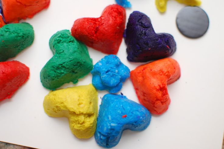 Crafts Made By Laks: DIY Bathtub crayons that works and doesnt stain!!!