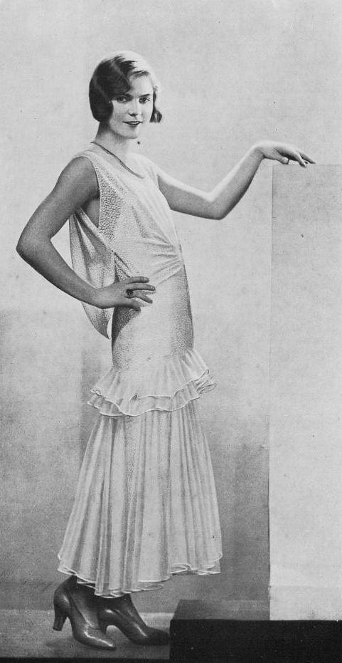Les Modes (Paris) 1930. Robe de Diner par Drecoll-Beer