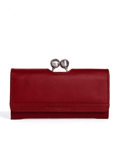 Berlin Wallet - Stickes and Stones. With three bill compartments, a clasp fastening coin compartment and enough card slots - this distinctive design wallet has room for all your daily essentials. The flap over is secured with a press button.#sticksandstones #wallet #leather