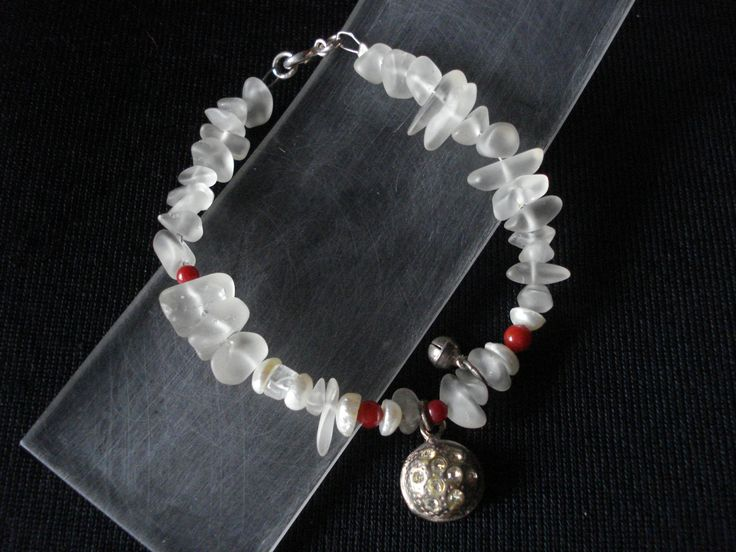 handmade bracelet of silver 925,coral and crystals