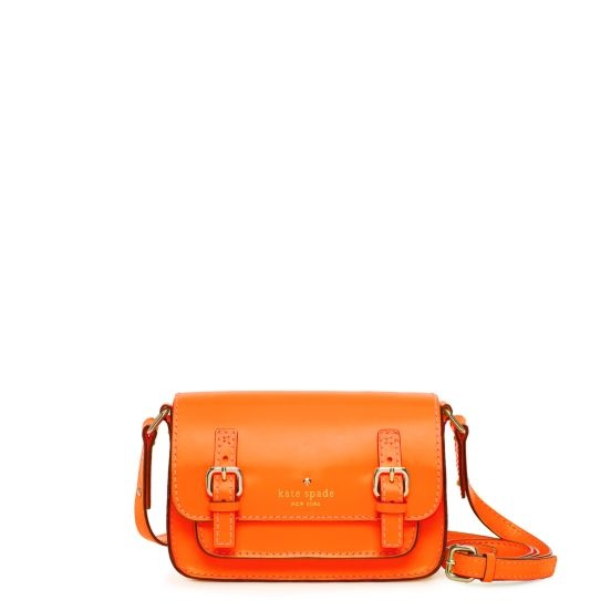 Kate Spade Essex Small Scout: After seeing this bag all over NYFW, I want. It is amazing.