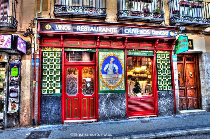 Madrid, Fachada de la Taberna Oliveros en Calle de San Millán, 4 en Madrid. España, Madrid de los Austrias, castizo. Foto Artística. de Realzamostusfotos en Etsy https://www.etsy.com/es/listing/274421718/madrid-fachada-de-la-taberna-oliveros-en