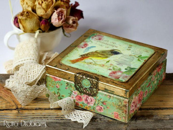 Decoupage vintage bird box