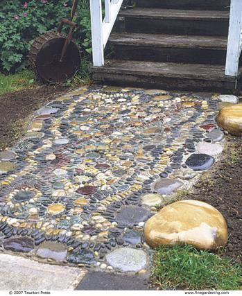 679 best garden pebble mosaics images on pinterest for Laying river rock