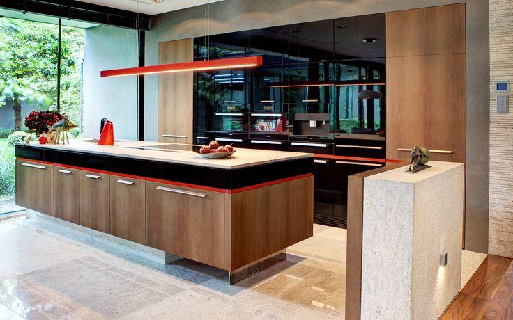 Luxury jitchen idea inspiration modern design style furniture home wood wooden Luksusowe kuchnie na zamówienie - rezydencja Komorów Wirchomski – Rezydencje