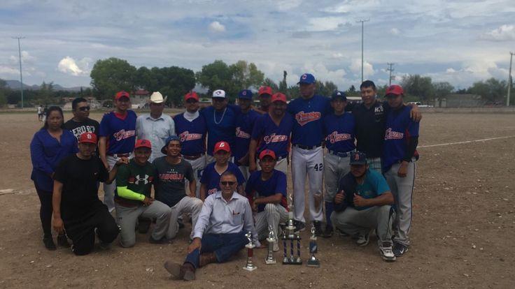 <p>La Cruz, Chih.- El deporte es prioridad en el municipio de La Cruz, el alcalde Adolfo Trillo, estuvo en el cierre de la temporada de béisbol donde