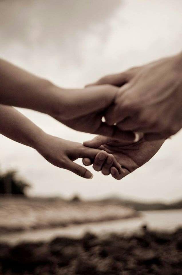 mano nella mano....