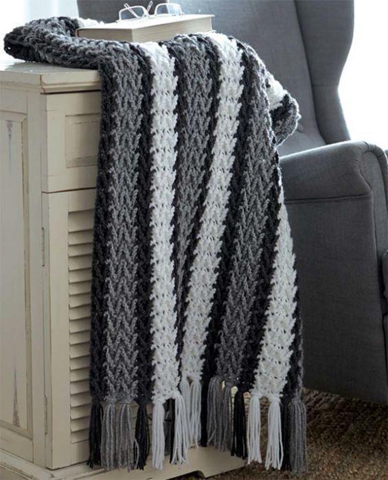 Mary Maxim - Free Arrowhead Striped Afghan Pattern - Free Patterns