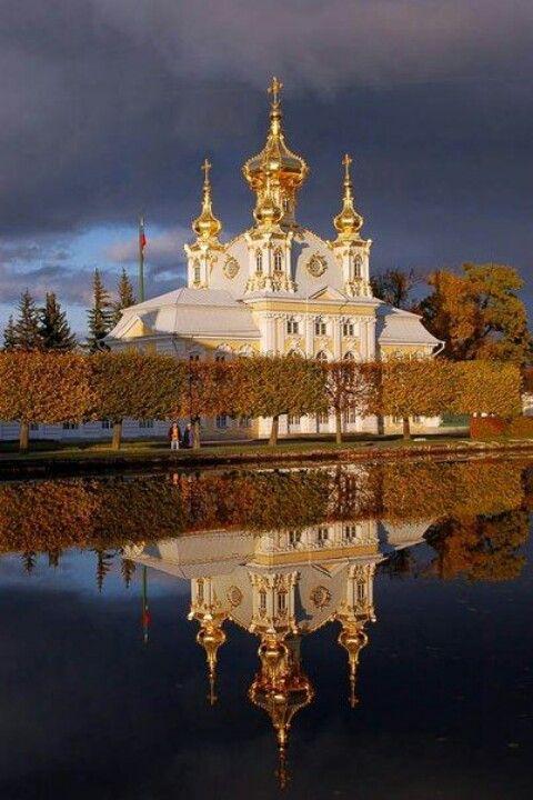 Peterhof, St. Petersburg, in Autumn/ cool northern light