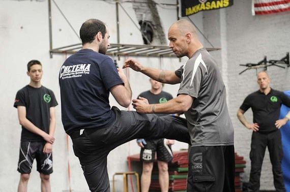 Systema: luta marcial russa que trabalha o corpo e equilibra a mente!