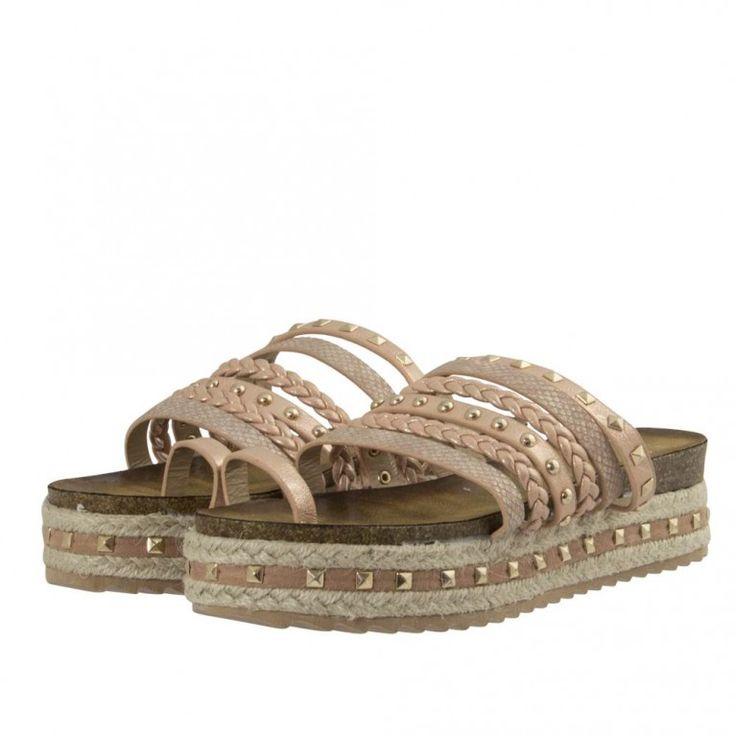 Νέες Παραλαβές ! Βρες τώρα τα Top παπούτσια που ψάχνεις στις καλύτερες τιμές ! Μεγάλη ποικιλία σε Γυναικεία, Παιδικά & Ανδρικά παπούτσια. Visit https://www.topshoes.gr
