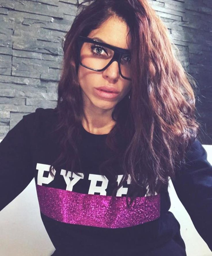 ALICE BASSO #wearing #pyrex #ss17 #sweatshirt